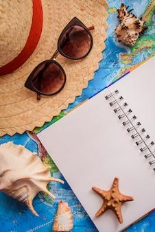 La mise en page sur le thème des vacances à la mer