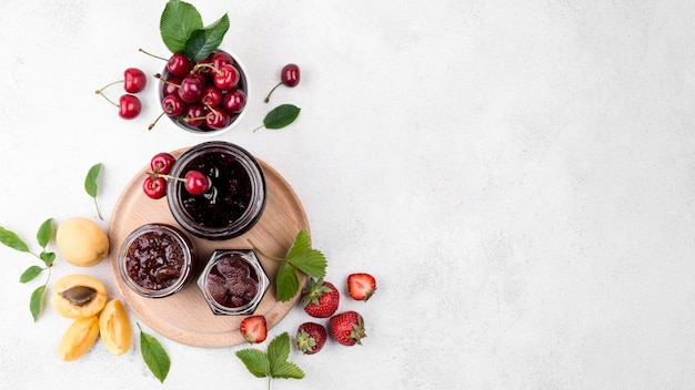 Mise à plat délicieux cadre de fruits cuits