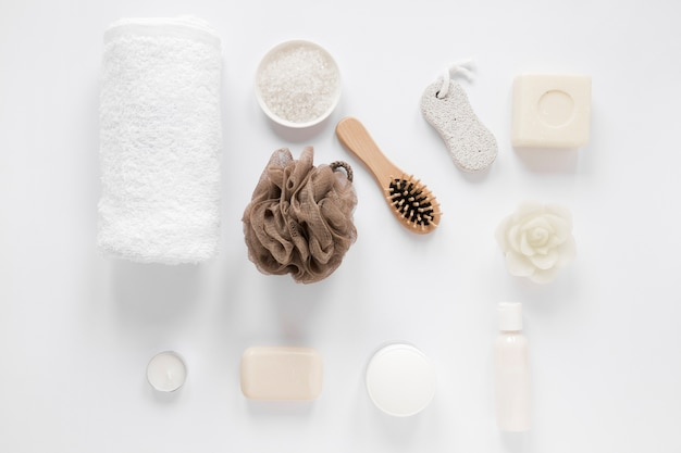 Mise à plat du concept de bain sur tableau blanc