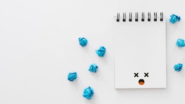 Mise à plat du concept de lundi bleu avec espace copie