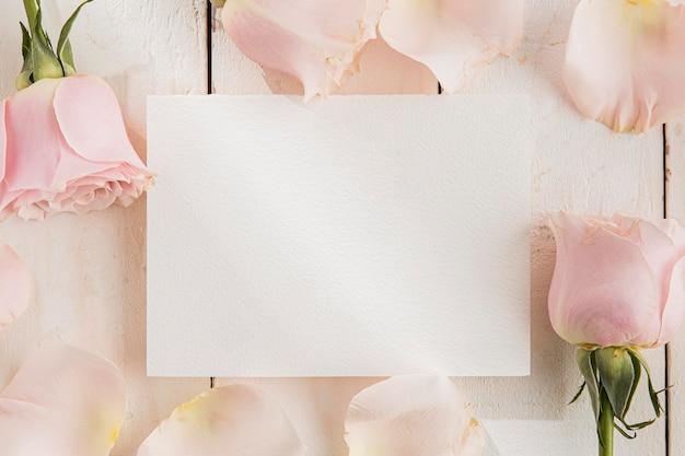 Mise à plat du concept de la saint-valentin avec espace copie