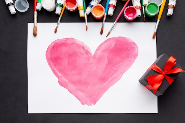 Mise à plat du dessin de coeur coloré