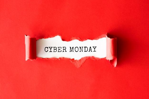 Mise à plat de papier déchiré pour cyber lundi