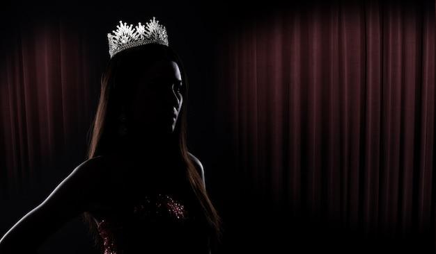 Miss pageant contest silhouette avec diamond crown