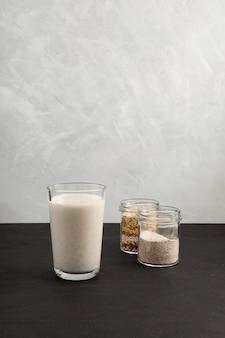 Misutgaru ou misugaru latte sur grand verre