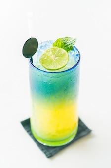 Mocktail de citron colorful
