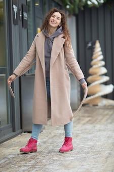 Mode jeune femme en hiver.