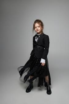 Mode jeune fille possing