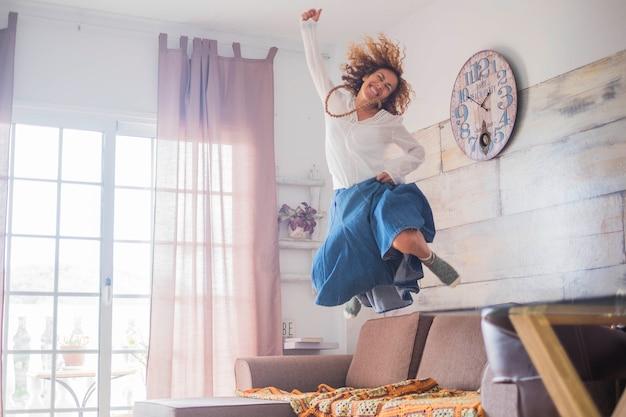 Mode de vie joyeux et concept de réussite pour les femmes