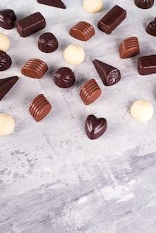 Modèle de bordure de l'assortiment de photos de bonbons au chocolat