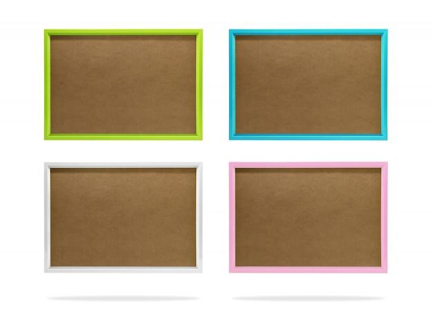 Modèle de cadre photo coloré blanc sur fond isolé avec un tracé de détourage.