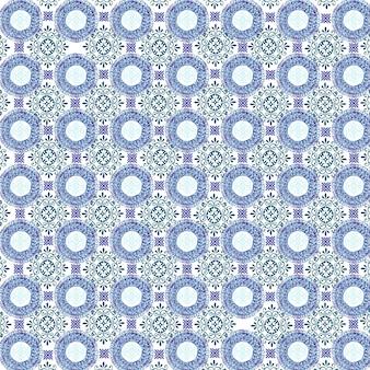 Modèle avec différentes formes ornementales de couleur bleue sur fond blanc