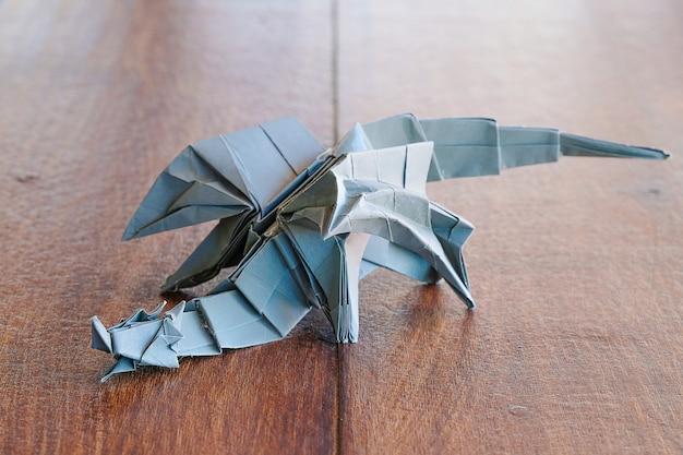 Modèle dragon origami