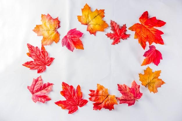 Modèle de feuilles d'automne simple
