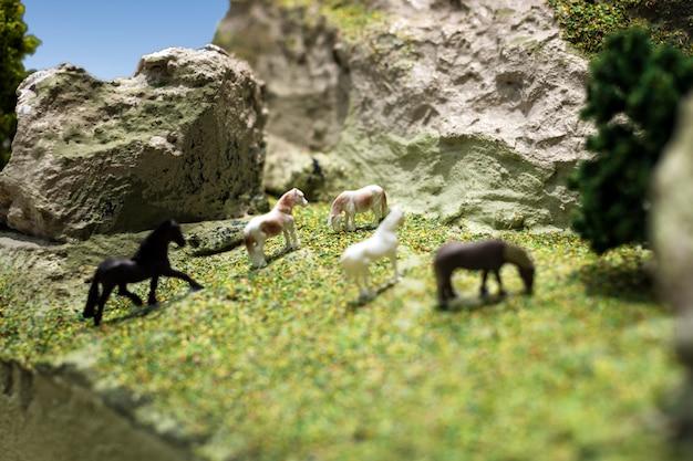 Modèle de jouet en plastique cheval miniature