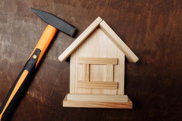Modèle de maison et hummer