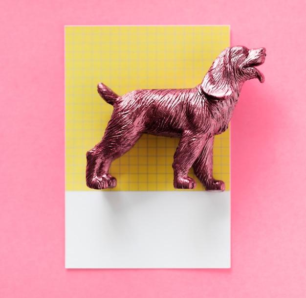 Modèle miniature de figurine de chien en couleur