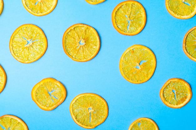 Modèle de morceaux de fruits orange séchés