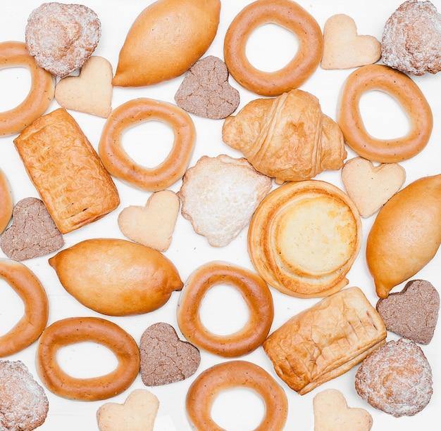 Modèle de pain et de boulangerie. ensemble de pain frais. fond de produits de boulangerie