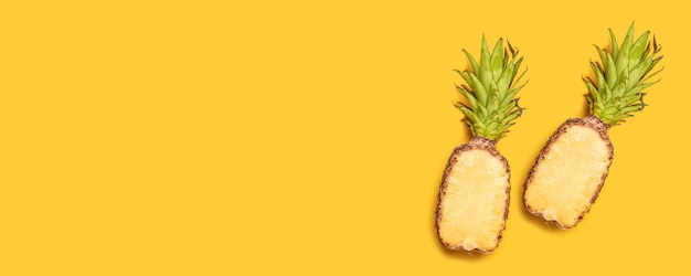 Modèle sans couture à l'ananas. abstrait tropical.