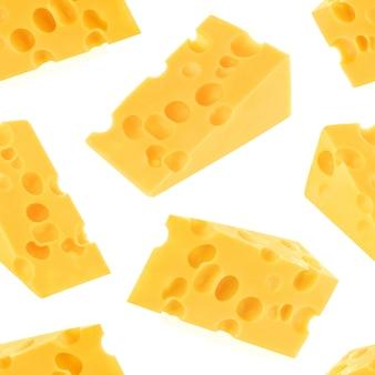 Modèle sans couture de fromage isolé sur blanc