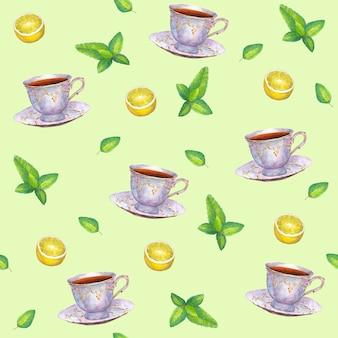 Modèle sans couture avec des tasses à thé en porcelaine dessinées à la main à l'aquarelle, des feuilles de citron et de menthe sur une surface verte