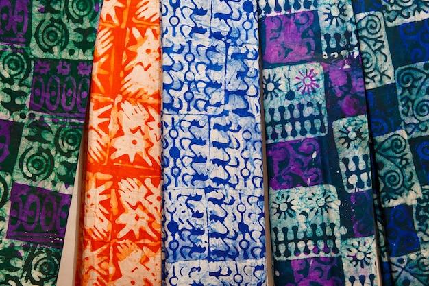 Modèle de tissu de style ghanéen natif coloré