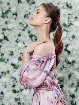 Modèles de beaux jeunes posant, concept de beauté, portrait de mode