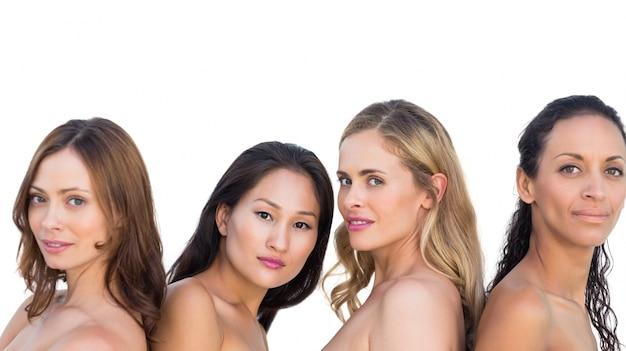Modèles nus sensuels posant