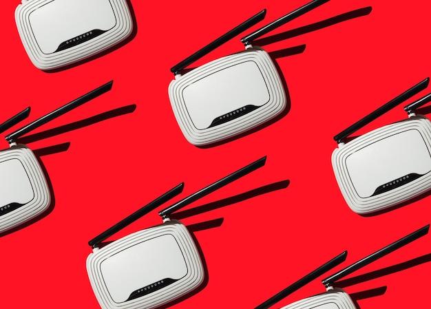 Modems pour accès internet sur fond rouge