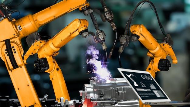 Modernisation des bras robotisés de l'industrie intelligente pour une technologie d'usine innovante