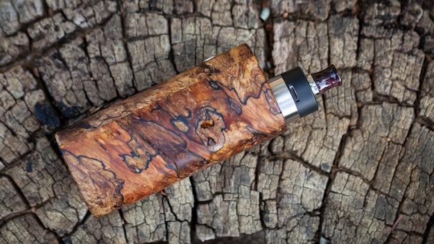 Mods de boîte en bois stabilisé naturel haut de gamme avec atomiseur goutte à goutte reconstructible, dispositif de vapotage, mise au point sélective