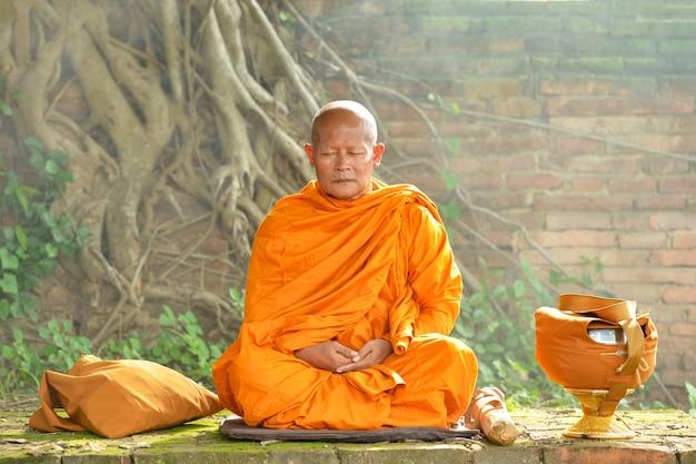 Moines bouddhistes, moines thaïlande, moines de budha, thaïlande