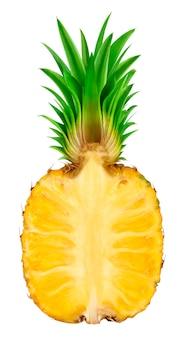 La moitié d'ananas isolé