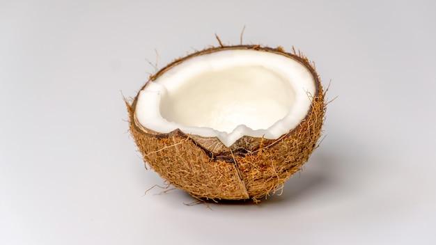 La moitié d'une noix de coco