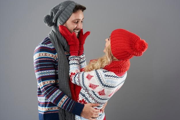Moments drôles de couple amoureux