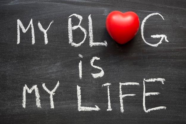 Mon blog est ma phrase de vie manuscrite sur tableau noir