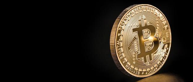 Monnaie numérique avec pile d'or à côté, bitcoin, crypto-monnaie décentralisée