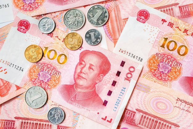 Monnaie officielle du renminbi de chine. pièces de monnaie et factures papier. l'argent chinois.