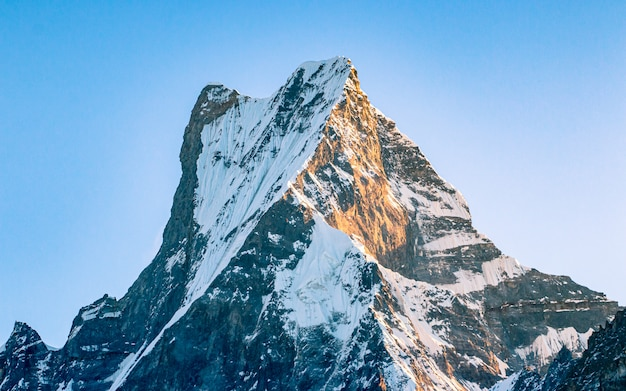 Mont fishtail à pokhara au népal