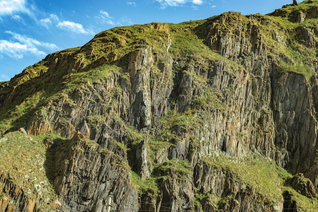 Montagne colline chemin route panoramique paysage