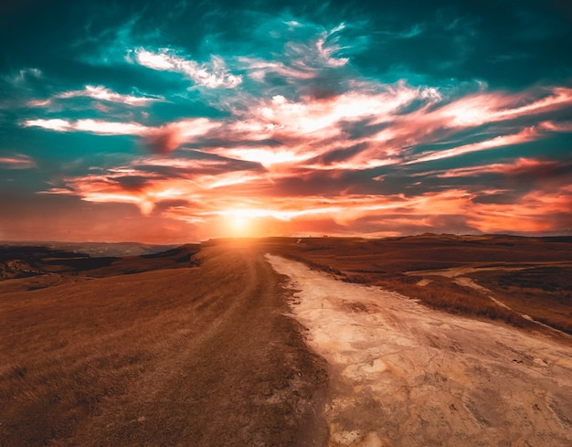 Montagne da boa vista pendant un beau coucher de soleil