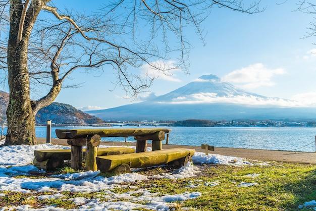 Montagne fuji san au lac kawaguchiko.