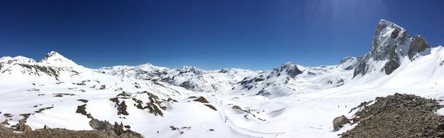 Montagne panoramique en hiver