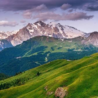 Montagnes des alpes
