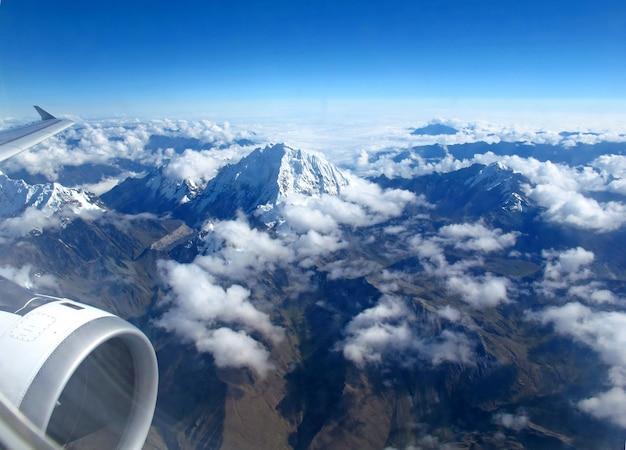 Montagnes des andes à cusco, pérou