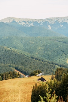Montagnes des carpates ukrainiennes.