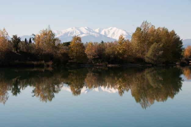 Montagnes couleur campagne claire couleurs calme