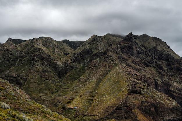 Montagnes dans le parc paysager d'anaga