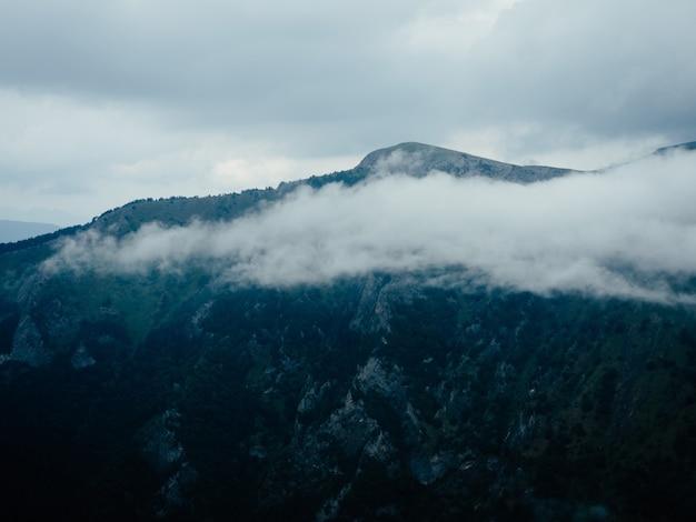 Montagnes nature paysage voyage nuages liberté